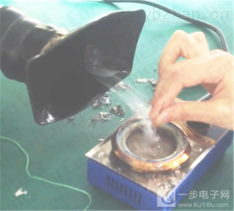 焊锡烟尘净化器是如何把生产线烙铁烟雾处理