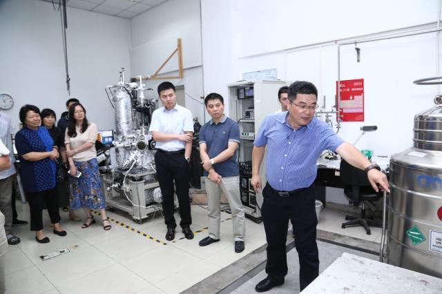 北京大學基金委國家重大科研儀器研制項目通過現場考察
