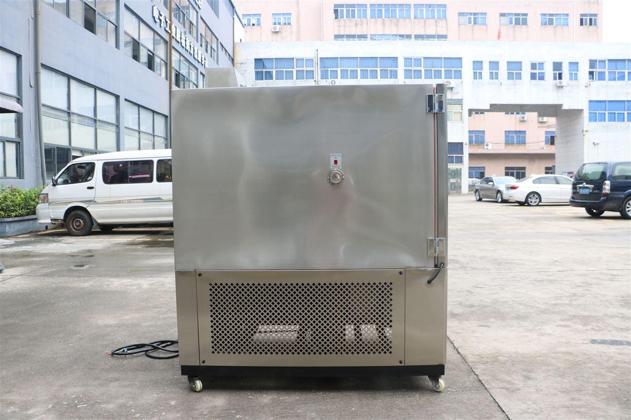 <strong>500L可程式恒温恒湿试验机</strong>
